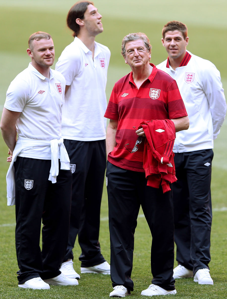 Wayne Rooney, Andy Carroll, Roy Hodgson & Steven Gerrard watch training