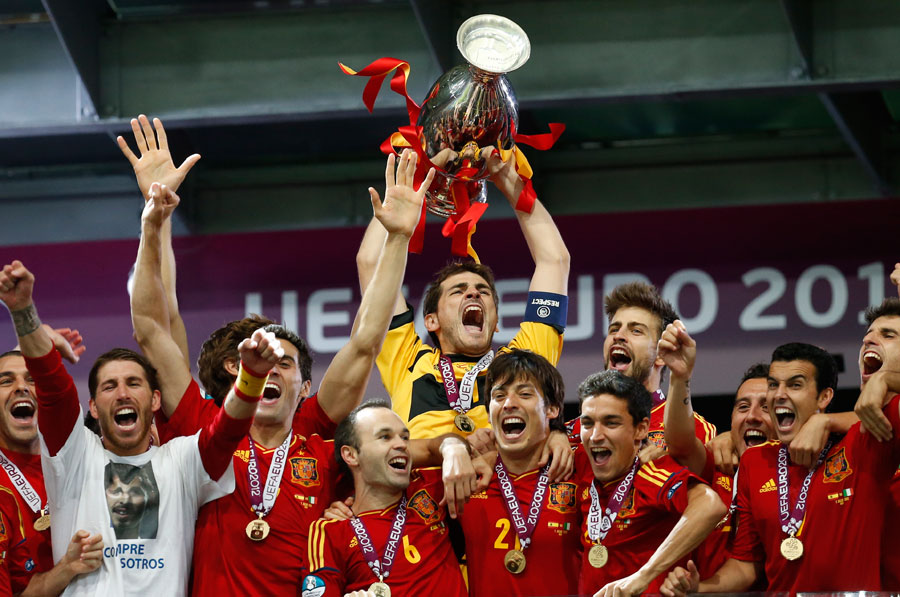 Spain goalkeeper Iker Casillas lifts the trophy