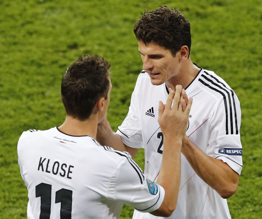 Miroslav Klose comes on as a substitute for Mario Gomez