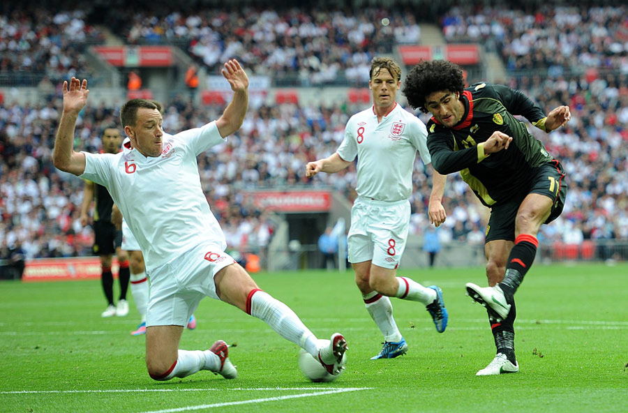 John Terry tackles Marouane Fellaini